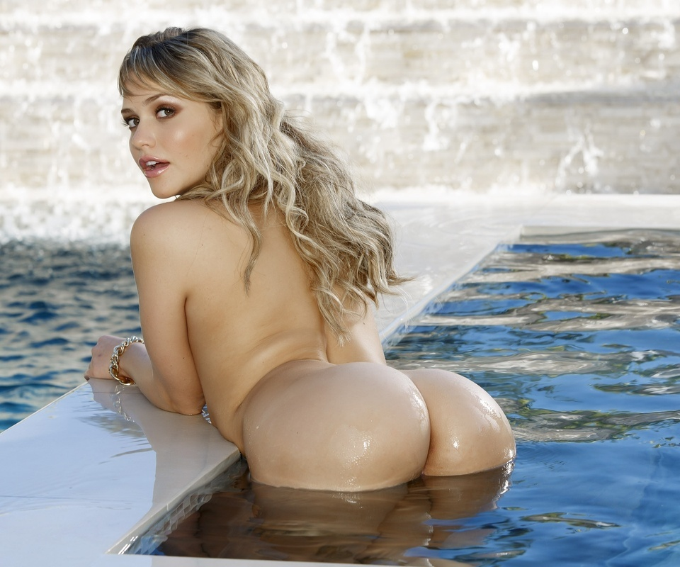 Порно актрисы с глубокой глоткой список фото