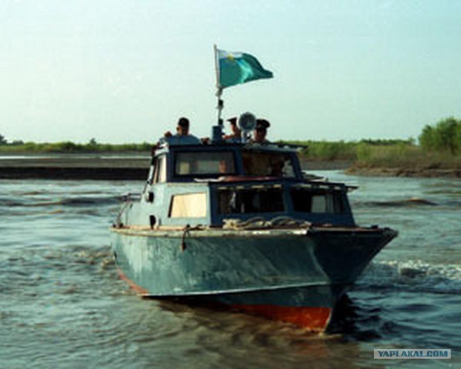 фото пограничного катера аист
