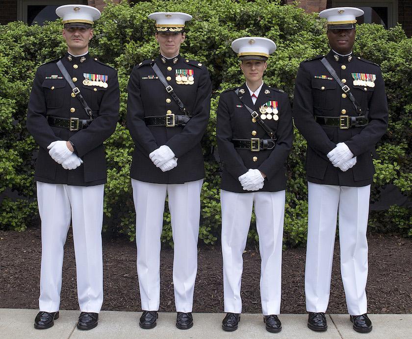 этого фото военных в морской американской форме просто отличное респектабельное