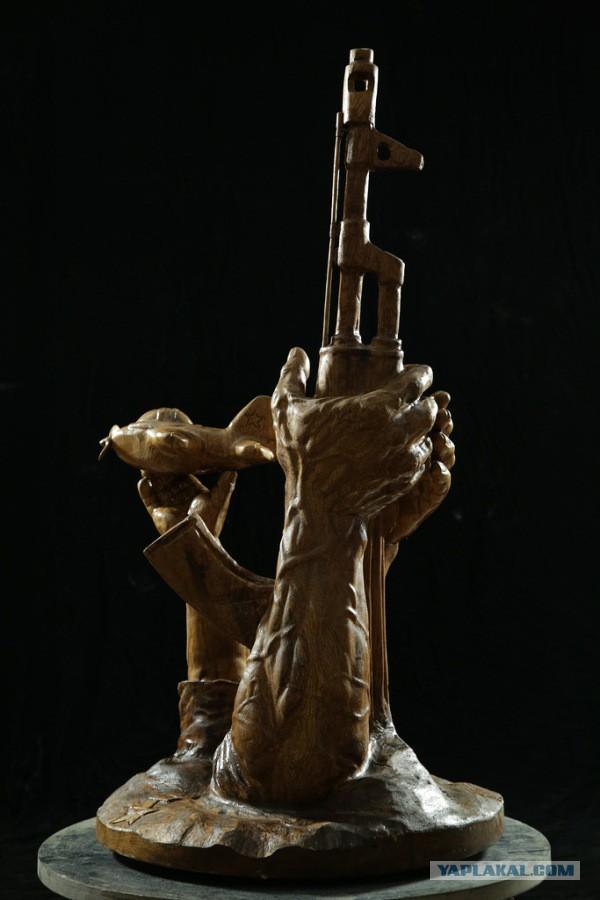 Герой России Олег Пешков. Монумент