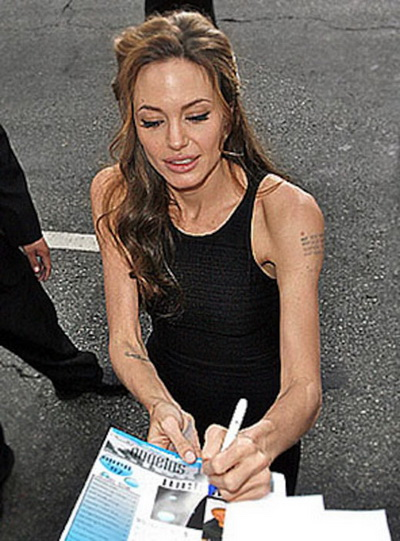 Тающая звезда: Анджелина Джоли весит 34 кг