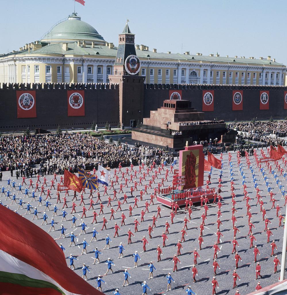 9 мая Первый канал будет транслировать парад на Красной