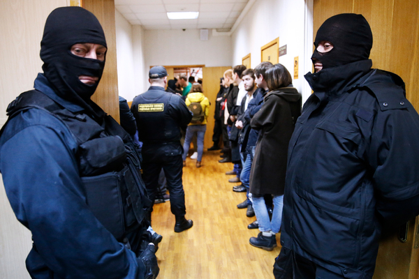 Пять офицеров ФСБ задержаны за вымогательство и взятки. В спецслужбе разгорается скандал