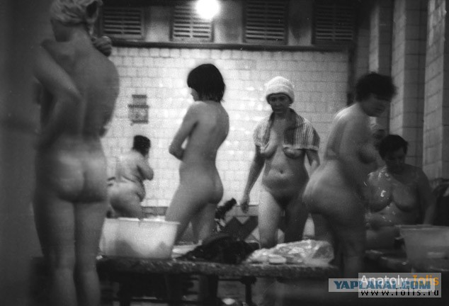 Онлайн видео женская баня душ