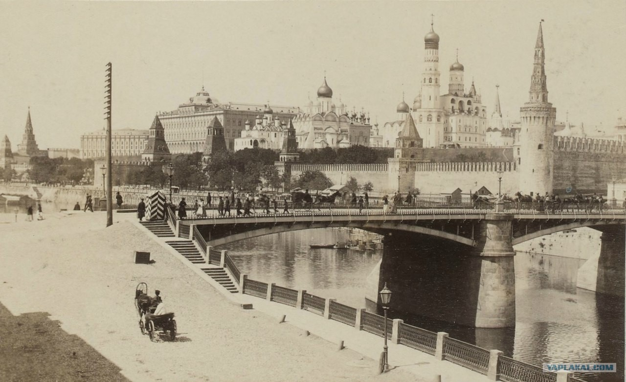 этого названия старинные фото московского кремля деревянном доме