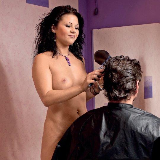 Голый парикмахер видео