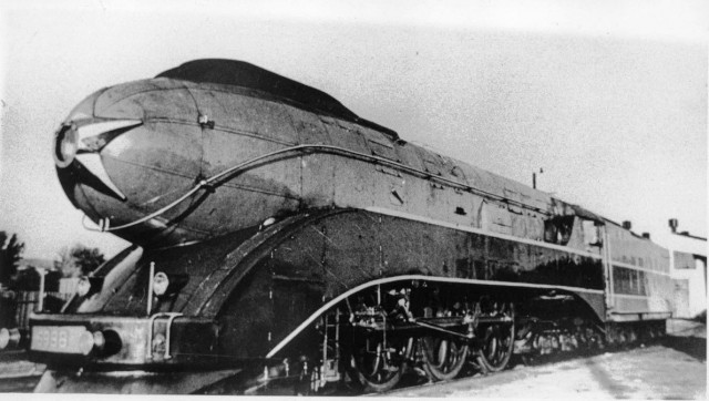 Паровозы 2-3-2К (тип 2-3-2 Коломенского завода; заводское обозначение — П12) — опытные советские скоростные паровозы типа 2-3-2, спроектированные и построенные в 1937—1938 гг. на Коломенском заводе