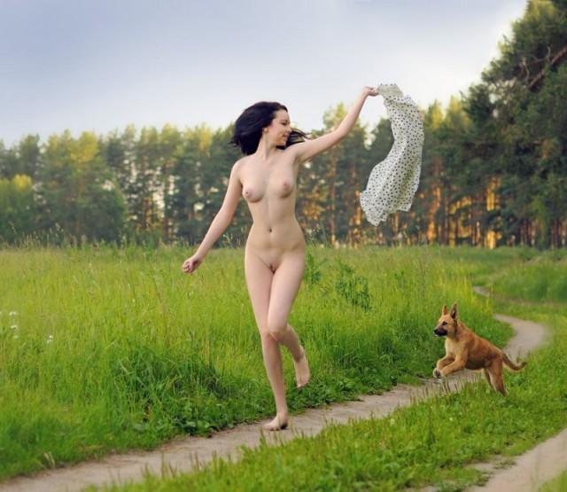 Девки голышом прикалываются фото