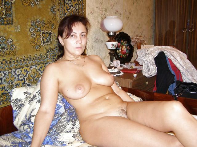 она фото и видео русских голых женщин в возрасте трубу