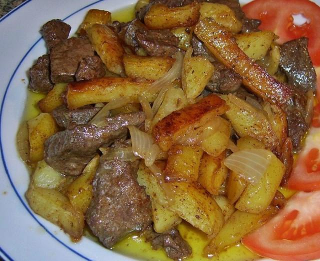 Тушеный картофель с бараньей печенью ♨