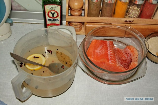 Но все стремятся к одному: как бы по - вкуснее это сделать, чтобы рыба не потеряла своих вкусовых качеств, была прозрачна.