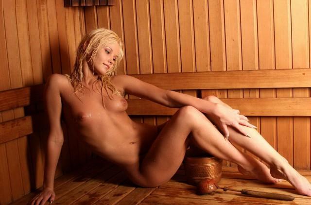 откровенные фото голых девушек в бане участники