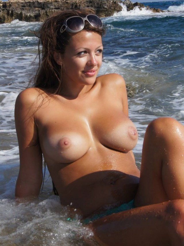 Beach Girl Sexy Nude Naked Tanned 1