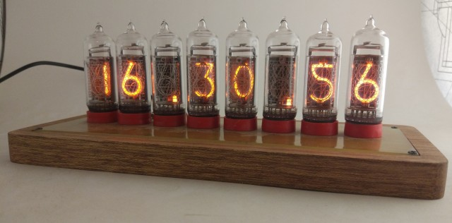 Часы на лампах Nixie clock