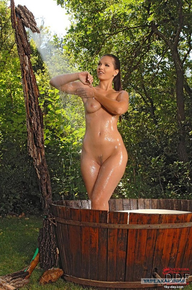 Babes Brunette Girl Having A Shower Outside In The Backyar 1