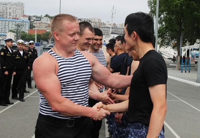 Встреча Российских моряков с японскими..