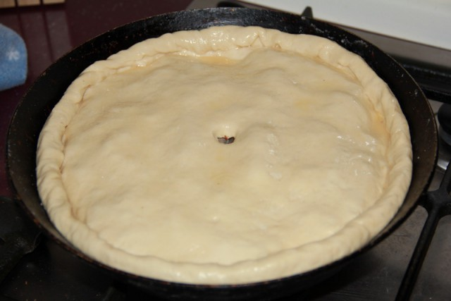 Пирог готов к выпечке