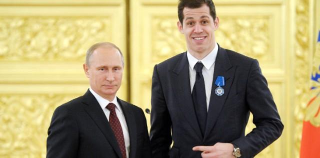 Евгений Малкин : о Путине, протестах и жизни в России