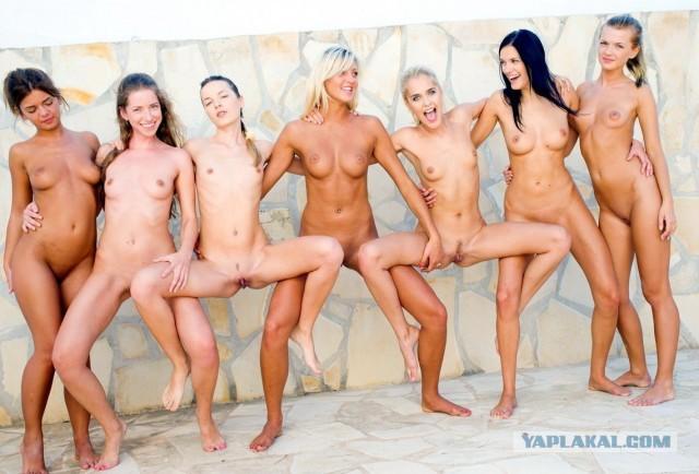 хлопці голі 18 та дівчата