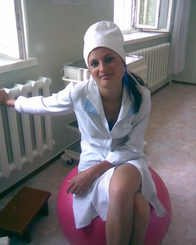 облизывает фото девушек врачей психиатров в мини халате фото-самый большая грудь