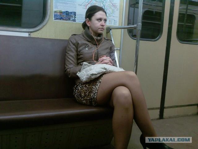 фото наших девушек в транспорте и на улице - 10