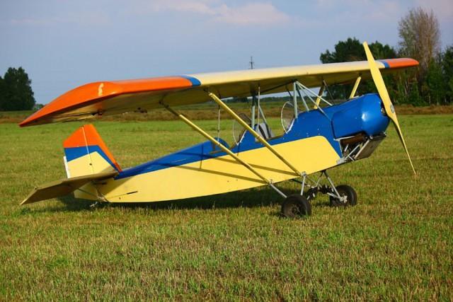 В Новосибирске пенсионеру запретили летать на самодельном деревянном самолёте