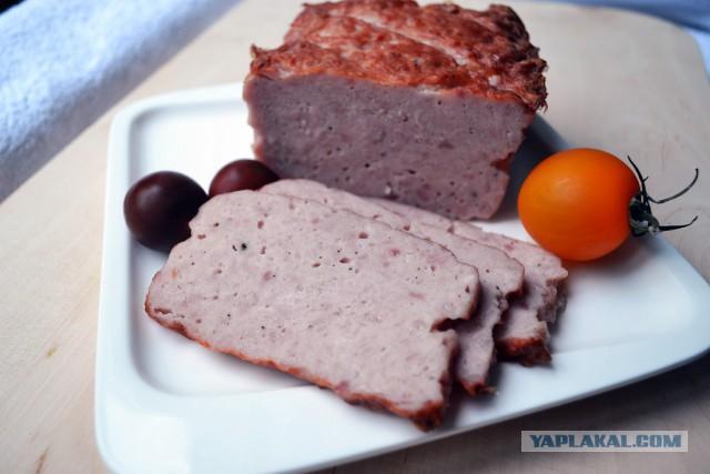 Такая соль используется для изготовления колбасной продукции, чтобы цвет был не серым, а красным.