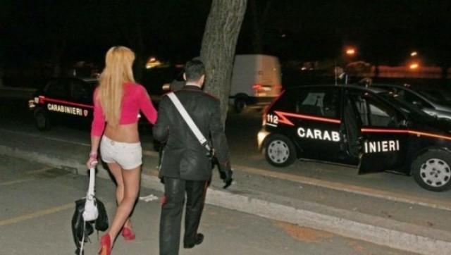 Мужики сняли дорогую проститутку дед снял молоденькую проститутку