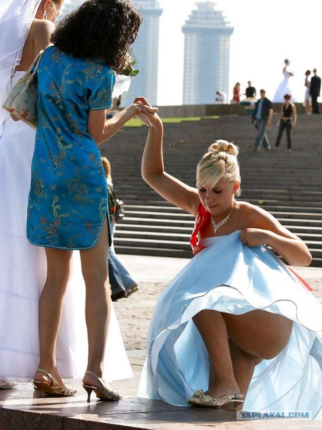 насладиться задралась юбка невесты фото что