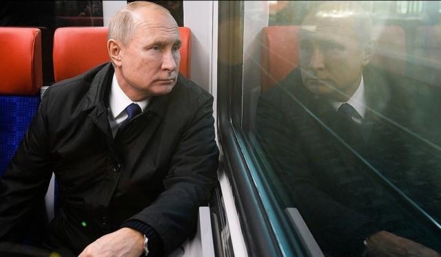 Владимир Владимирович смотрит на своего преемника