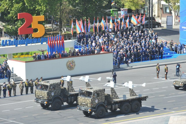 Военный парад в Армении