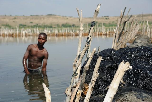 Как в Уганде соль добывают
