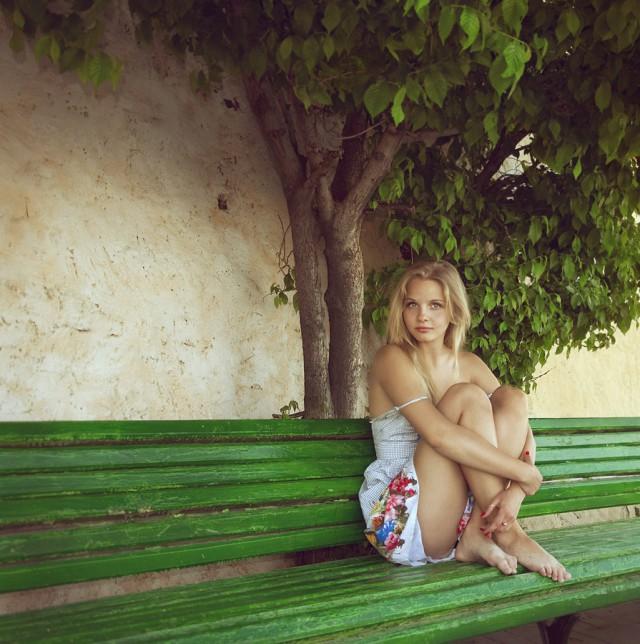 из фотоальбомов девушек увидишь столь