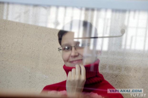 Девушка в ванной с трусами во рту фото картинки про