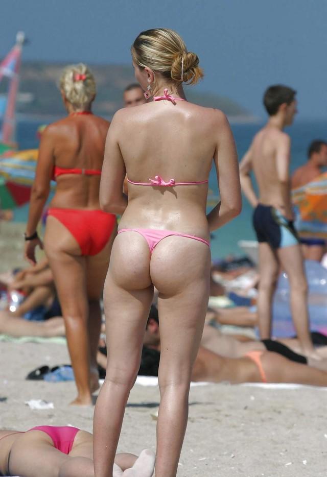 Amateur bikini thumbnail galleries