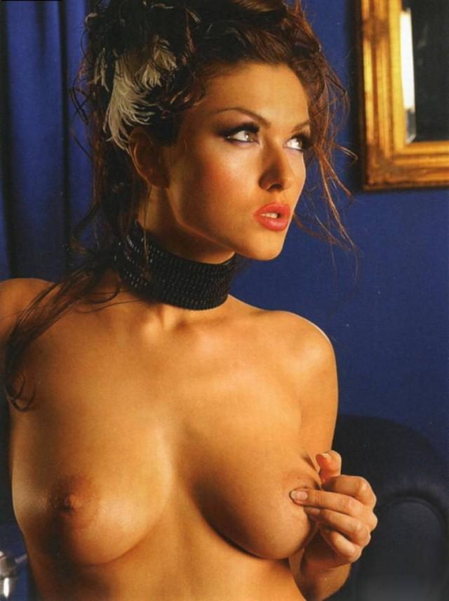 тоже голые фото российских артисток вида тети лизы
