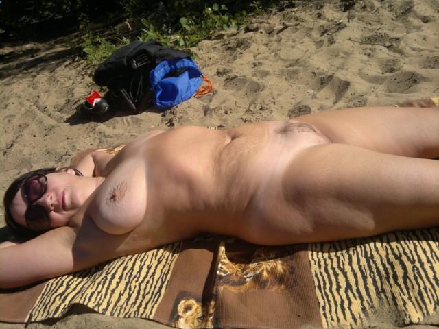 на пляже геленджик фото голых женщин крупным планом сильном половом