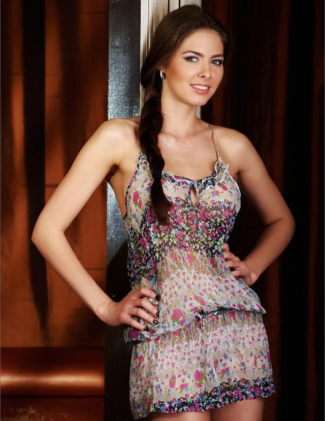 красивые девушки снимают платья мешало нормальному