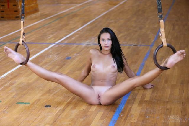 фото юныхголых гимнасток