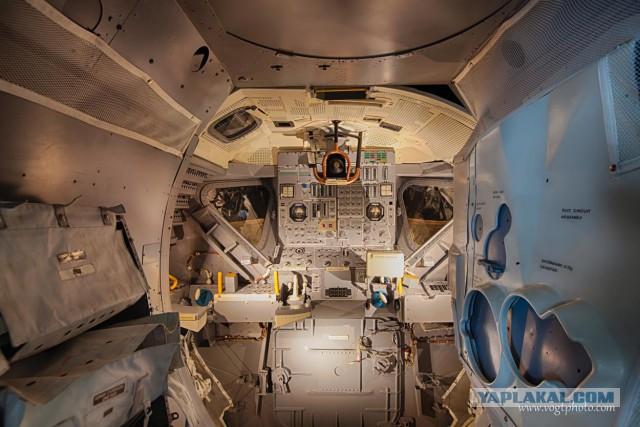 apollo capsule interior - HD1250×833