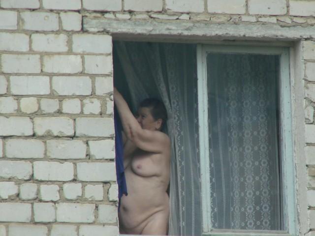 фото женщин подсмотренное дома