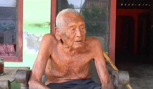 Дедушка, утверждающий, что ему 145 лет, говорит, что уже готов умереть