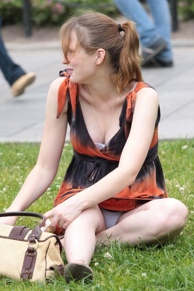 Фото онлайн секс за длинные юбки и видны трусы — 14