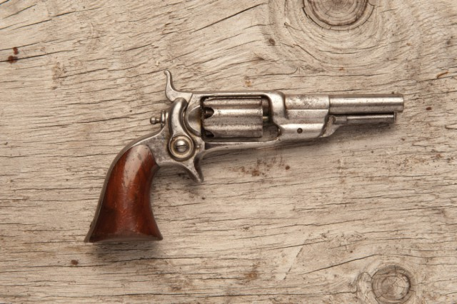 Старинные револьверы фото