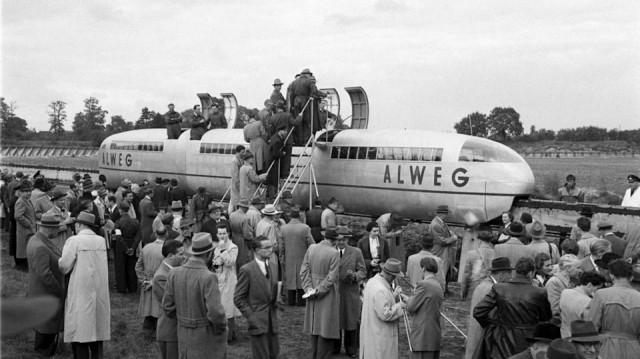 ALWEG - компания шведско-немецкая. Это их испытательный полигон под Кёльном, примерно 1957 год. Японцы к этому времени ещё с пальм слезать не начинали.