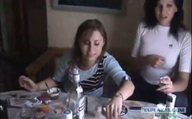 pohozhdeniya-studenta-video-ero-kartinki-popki-v-platyah