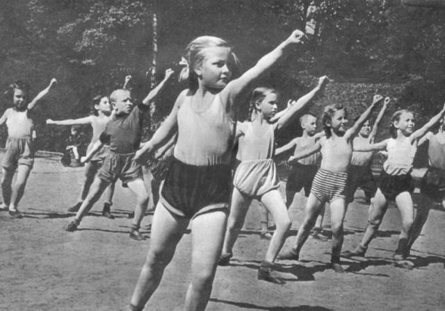 Секс с девочками в пионер лагере